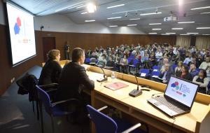 Jornada: Com fer front a la manca d'habitatge social? (Ada Colau, Jordi Ballart)